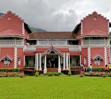 Stay at Heritage Bungalow near Chikmagalur