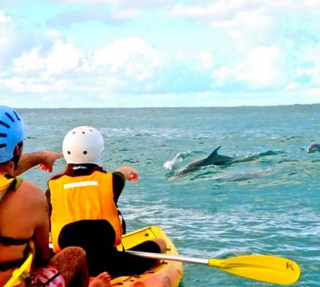 Kayaking and Sightseeing in Byron Bay