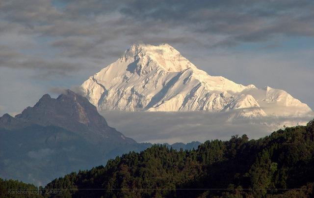 Sikkim-_kanchanjenga-_proxygeek.jpg