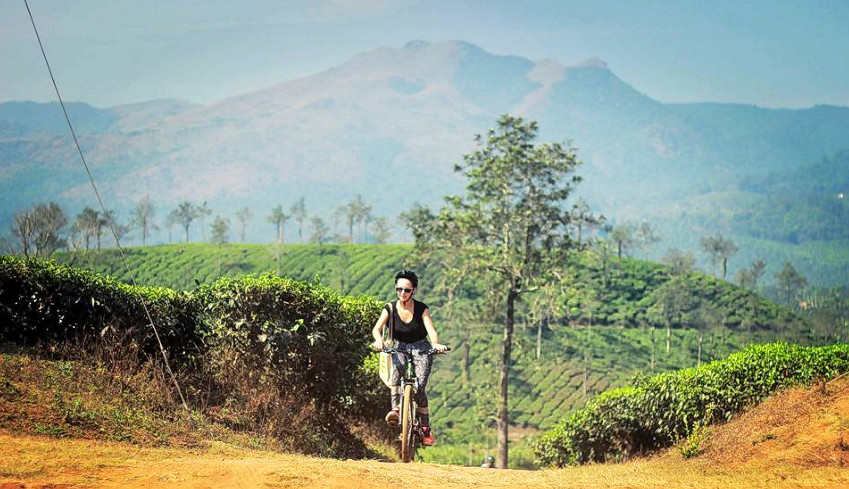 1476868174_cycling_in_wayanad_25.png