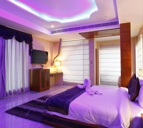 Stay at Byke Grassfield Resort in Jaipur