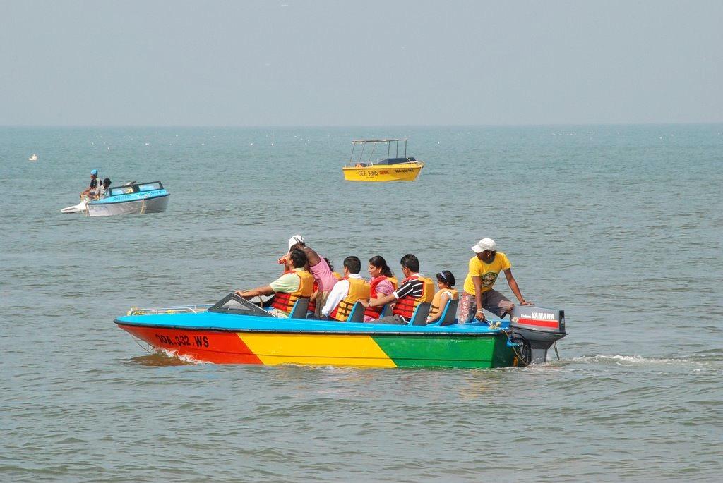 1479206459_boat_ride_calangute.jpg