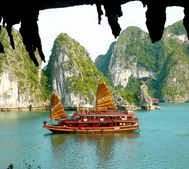 4-Days Tour of Hanoi And Ha Long