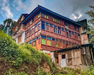 Offbeat Stay Experience in Jibhi Flat 30% off