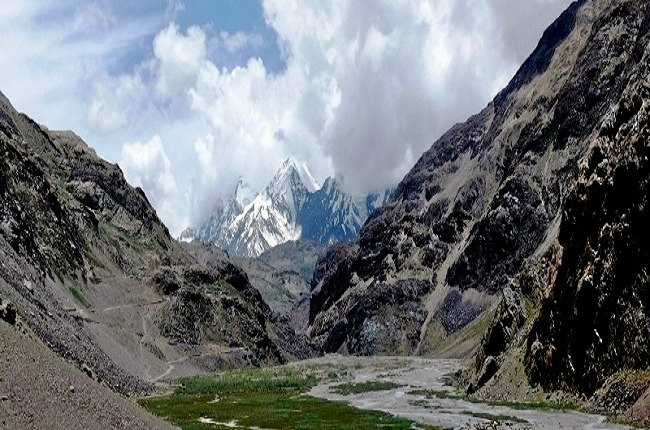 Chandratal_lake_trek_over_hampta_pass_3.jpg