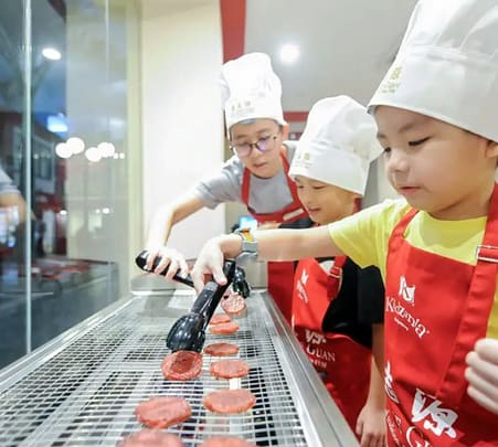 Ticket to Kidzania Singapore - Flat 18% off