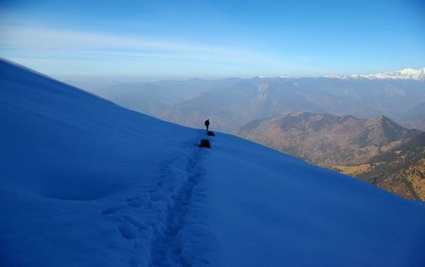 1464678878_snow_covered_path_to_tungnath.jpg