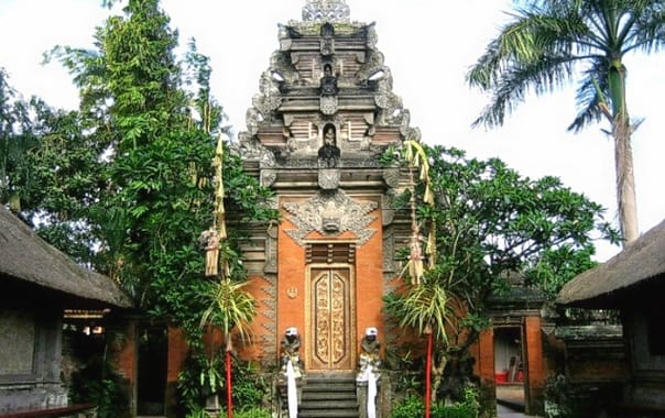 1470742724_ubud-royal-palace.jpg