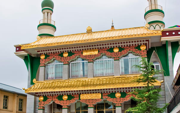 1485791921_mosques_in_lhasa.jpg