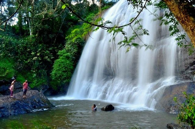 Chelavara_water_falls.jpg