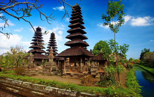 Taman-ayun-bali-temple.jpg