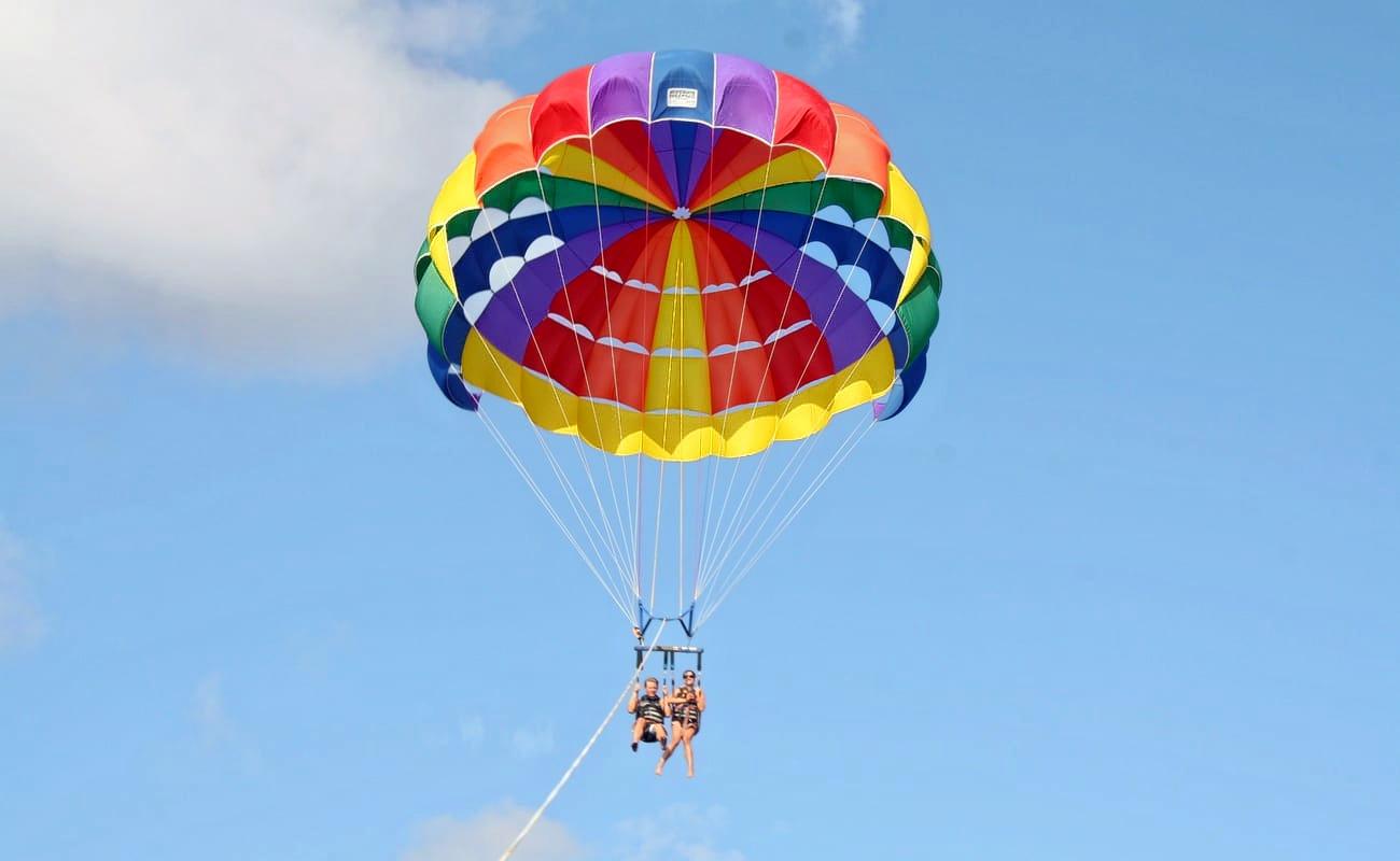 1510235271_hawaii-parasailing-21.jpg.jpg