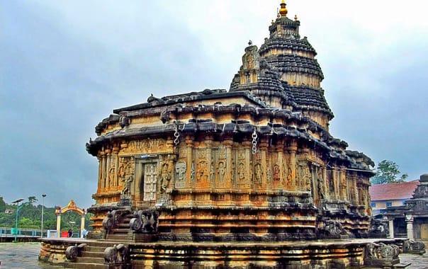 Sri-sharadamba-temple-sringeri_shrihub.jpg
