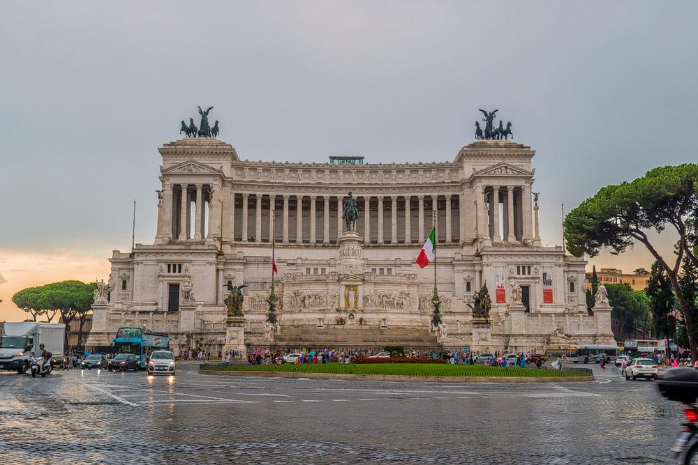 1592825224_europe_piazza_venezia.jpg