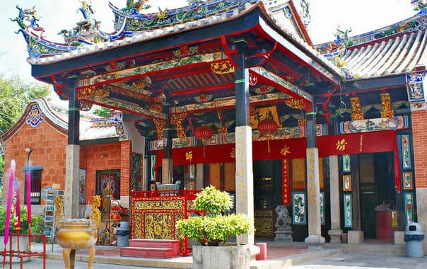 1463650588_snake_temple_2c_penang.jpg