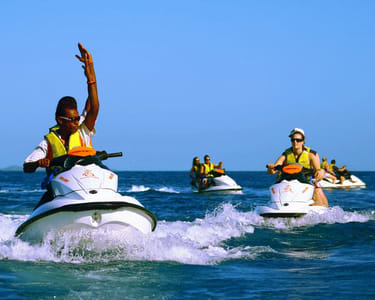 Guided Jet Ski Expereince in Dubai Flat 10% off