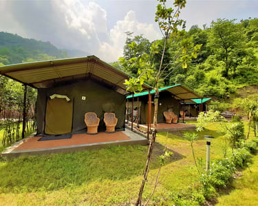 Jungle Camping in Rishikesh with Rafting | Book @ Flat 26% off