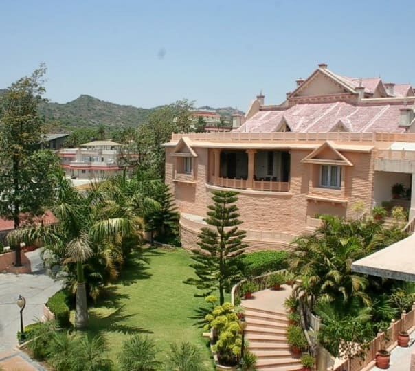 Stay at Palanpur Palace in Mount Abu