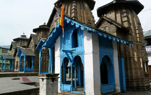 1465971721_lakshmi_narayan_temples_in_a_row_(6132481215).jpg