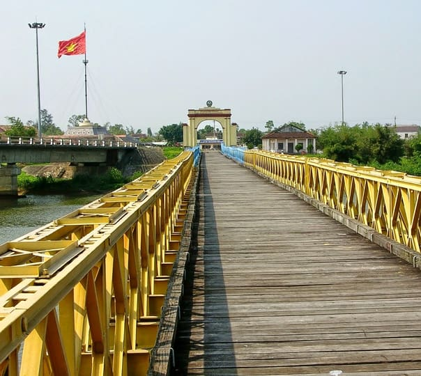 Trip to Demilitarize Zone in Hue