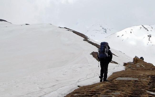M_auli_and_gurson_snow_trek_4.jpg