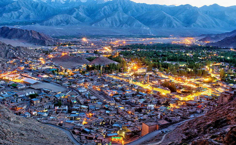 Ladakh Honeymoon Package From Delhi | Book Now & Save 33%