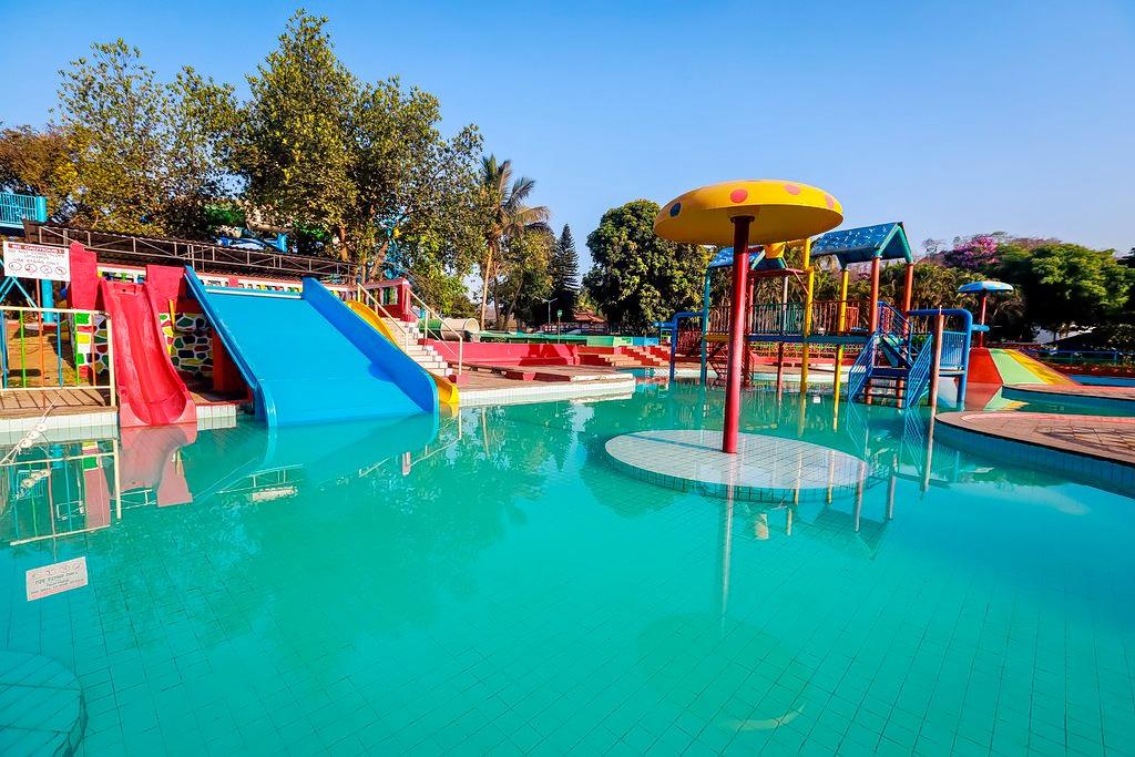 1588224794_visava-amusement-park_(1).jpg