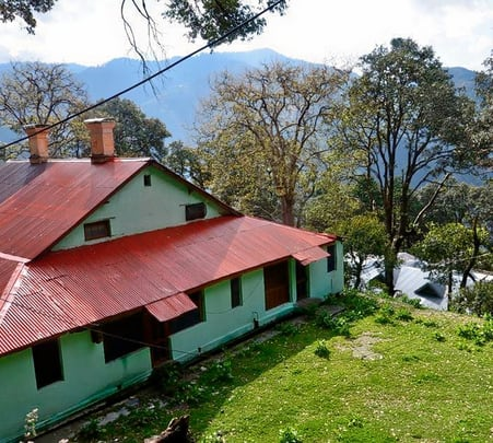 Homestay with Guided Nature Walk in Dalhousie