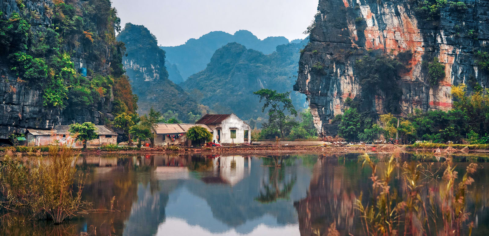 Vietnam: hotel reviews, attractions