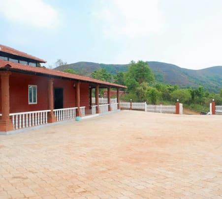 Stay at Kesinamane Homestay in Sakleshpur
