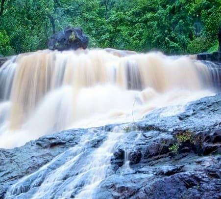 Trek To Chinchoti Waterfall, Vasai