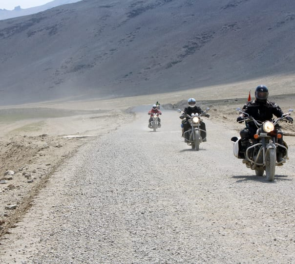 Manali to Ladakh Bike Rental Package