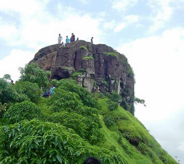 Trek to Kalavantin Pinnacle in Raigad