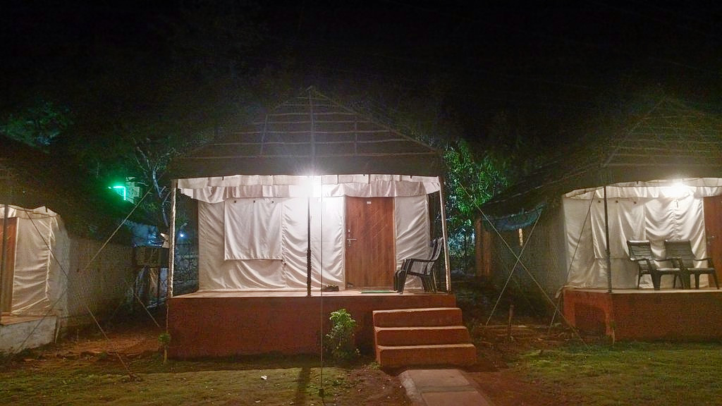 1589053406_tent-in-the-night.jpg