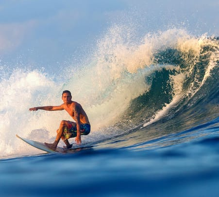 Surfing in Weligama - Flat 15% off