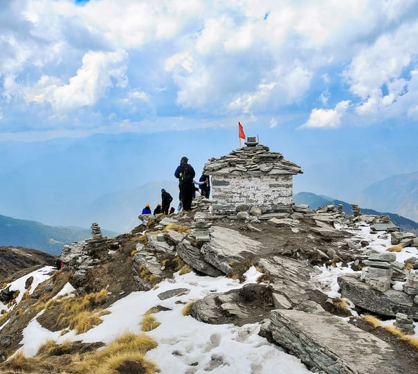 Snow Trek to Deoria Tal and Chandrashila Peak, Uttarakhand 2018
