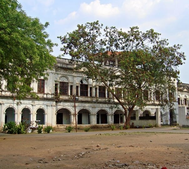 Guided Heritage Walk From Charminar to Purani Haveli, Hyderabad
