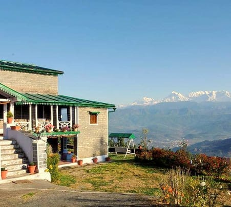 Stay at Hotel Snow Cliff, Lansdowne
