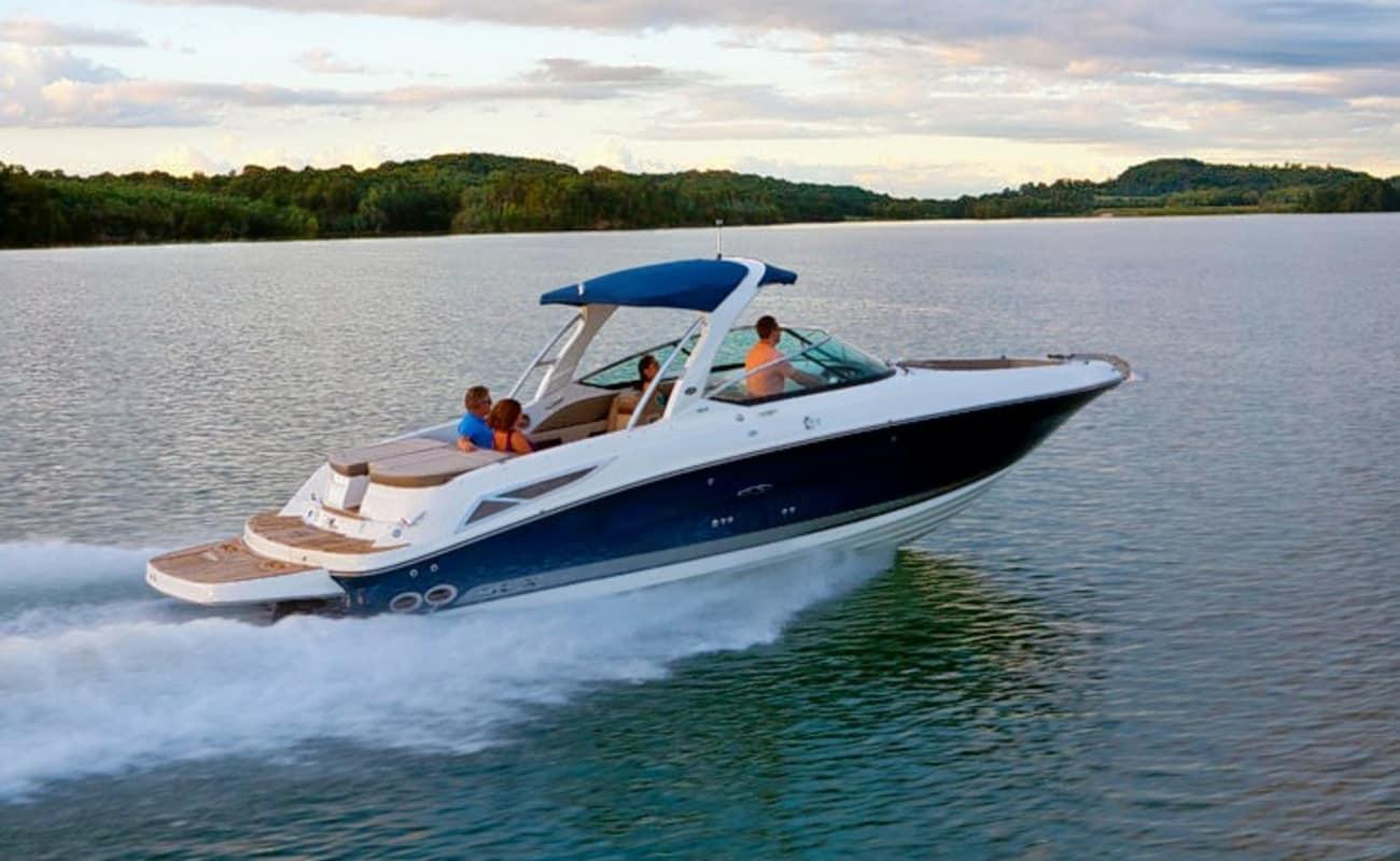 Luxury Speed Boat Cruise In Mumbai