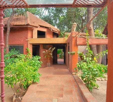 Luxurious Villa Stay at Alibaug