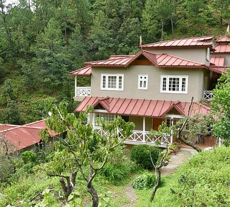 Resort Stay with Panoramic View of Himalayas, Nainital