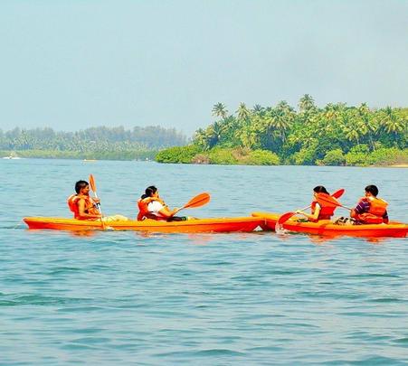 Parasailing and Water Sports in Tarkarli