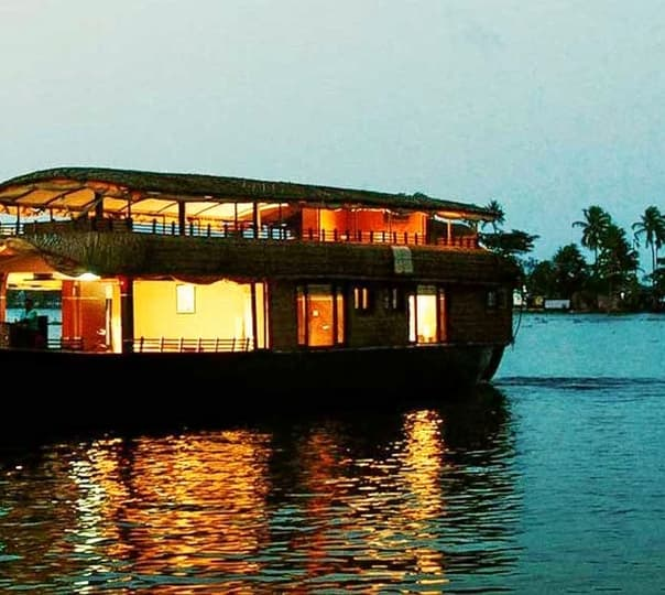 Backwaters Tour in Alleppey House Boat