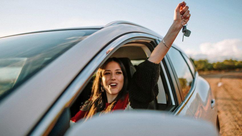 1586960598_happy-with-car-buy-istock-1127393632-848x477.jpg