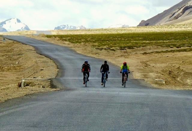 Manali_leh_cycling_gio_1.jpg