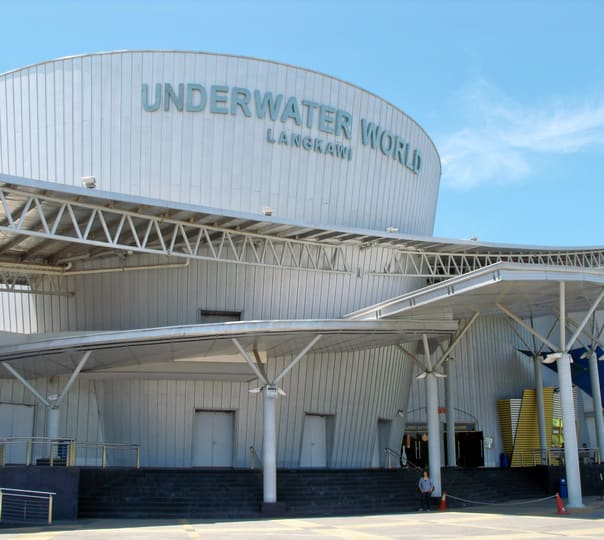 Underwater World Langkawi Tour