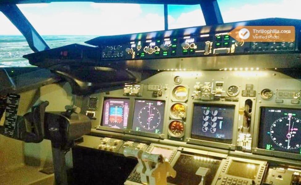 Enjoy Flight Simulation In Boeing 737