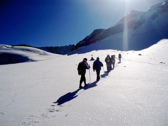 M_auli_and_gurson_snow_trek_7.jpg