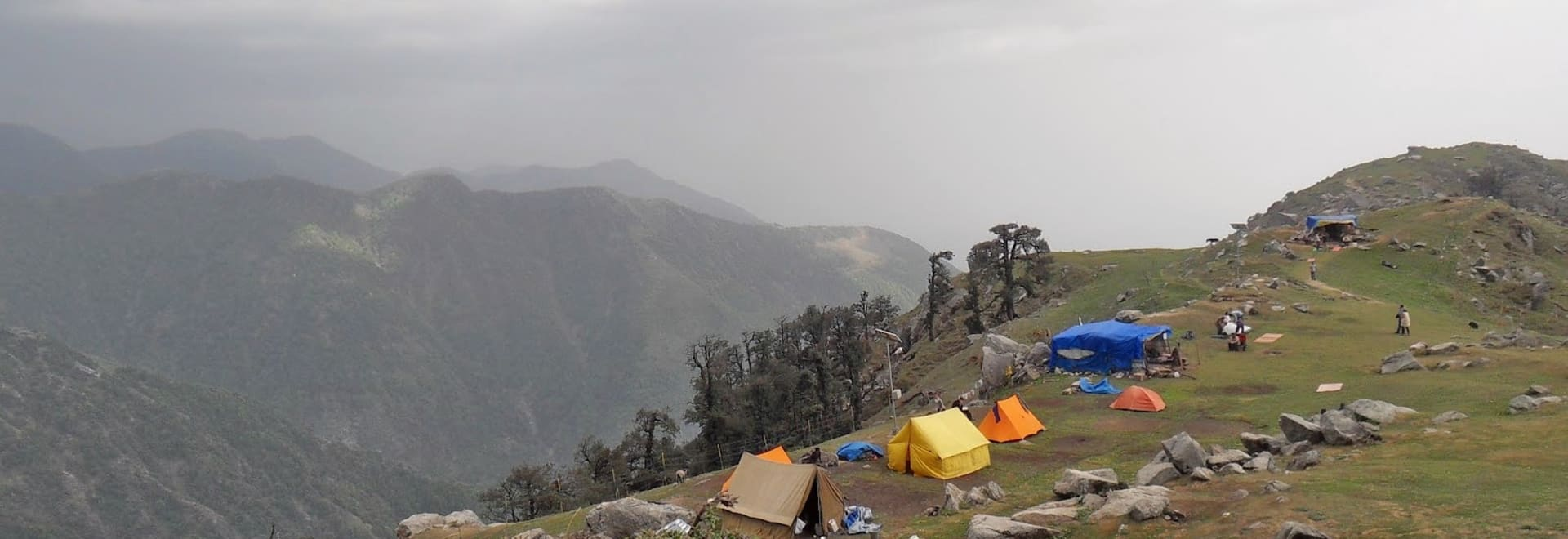 1464189979_triund_camping.jpg