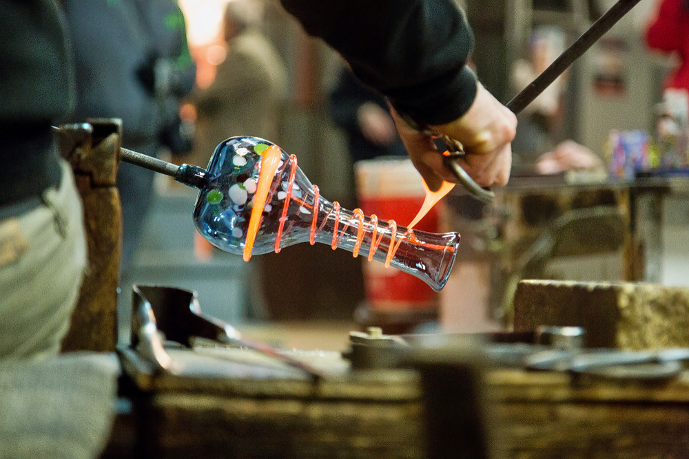 1592808829_europe_murano_glass_factory_1.jpg